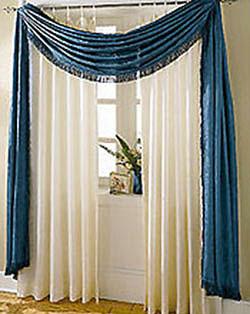 Ещё один простой способ драпировки классических раздвижных штор.