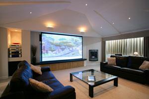 Управление домашним кинотеатром при помощи системы умный дом